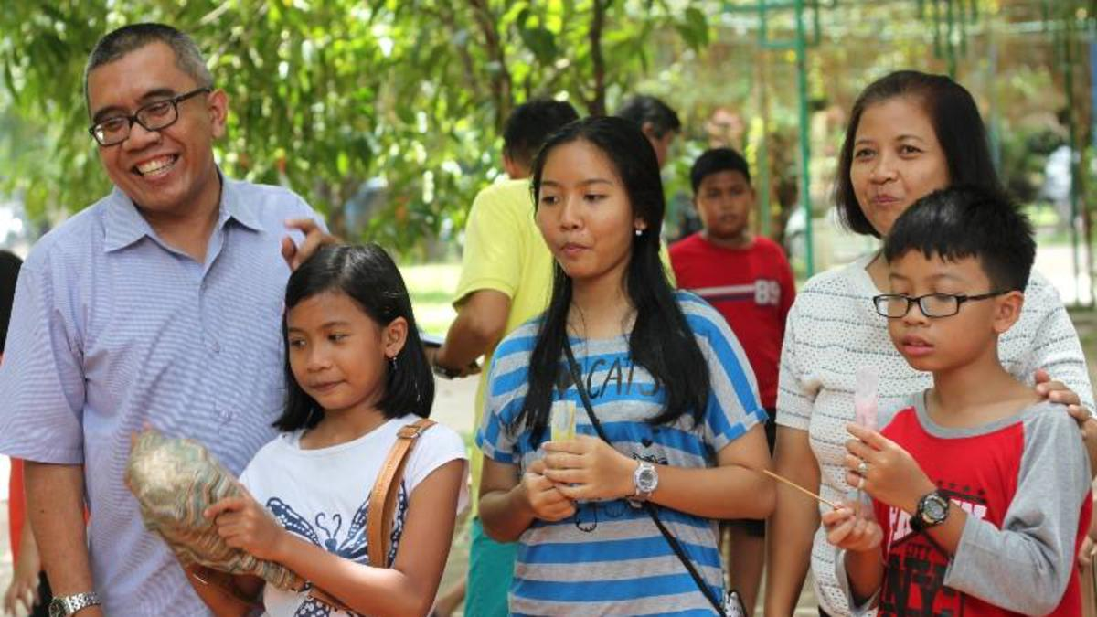 Membesarkan Anak-Anak yang Berpusat pada Kristus