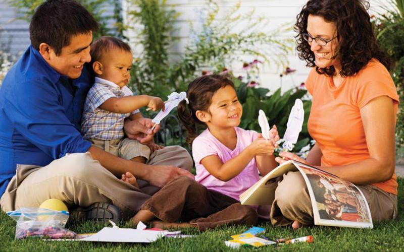 Menemukan Sukacita dalam Menegakkan Keluarga yang Berbahagia dan Kekal