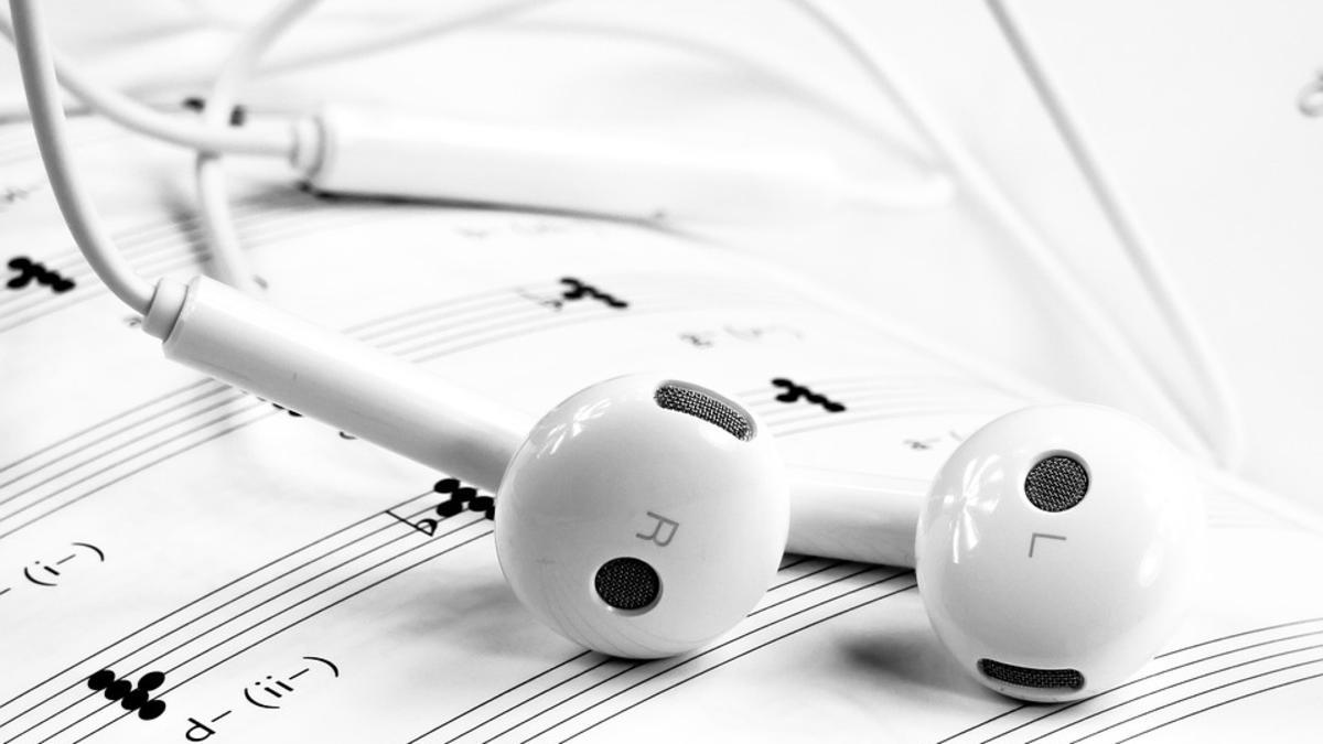 Noder og øretelefoner