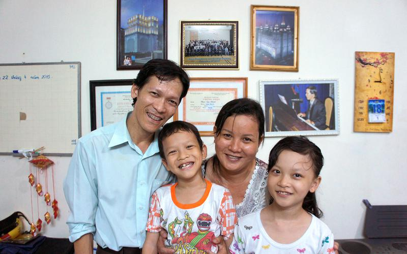01-our-values-happy-families.jpg
