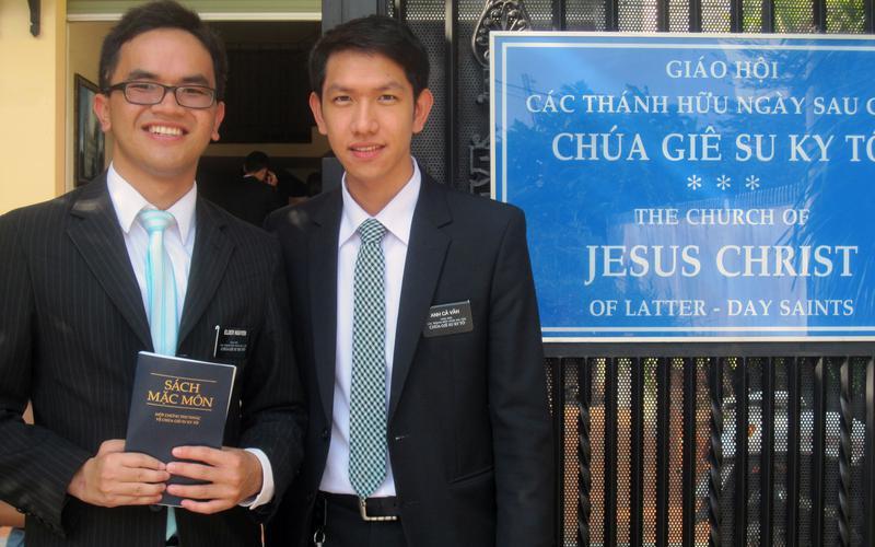 Anh-Ca-Tan-va-Van-Introduction-to-Elders-2014-03.JPG