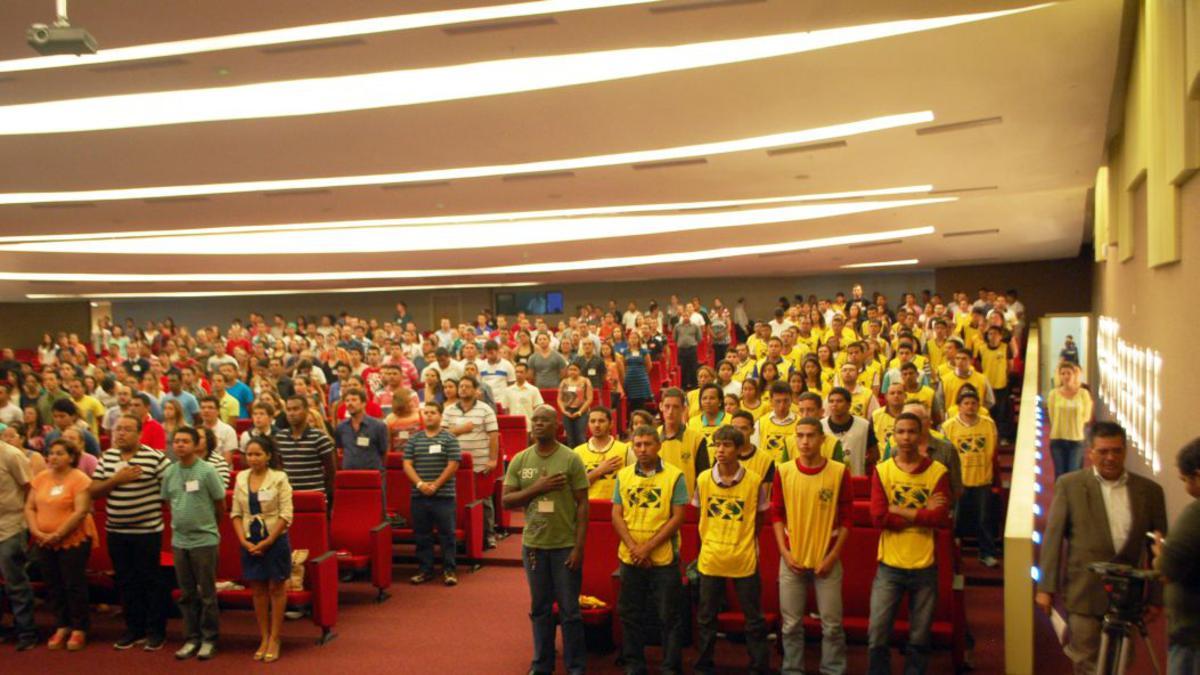 Mãos Que Ajudam e Brasil Voluntário Juntos Durante a Copa do Mundo
