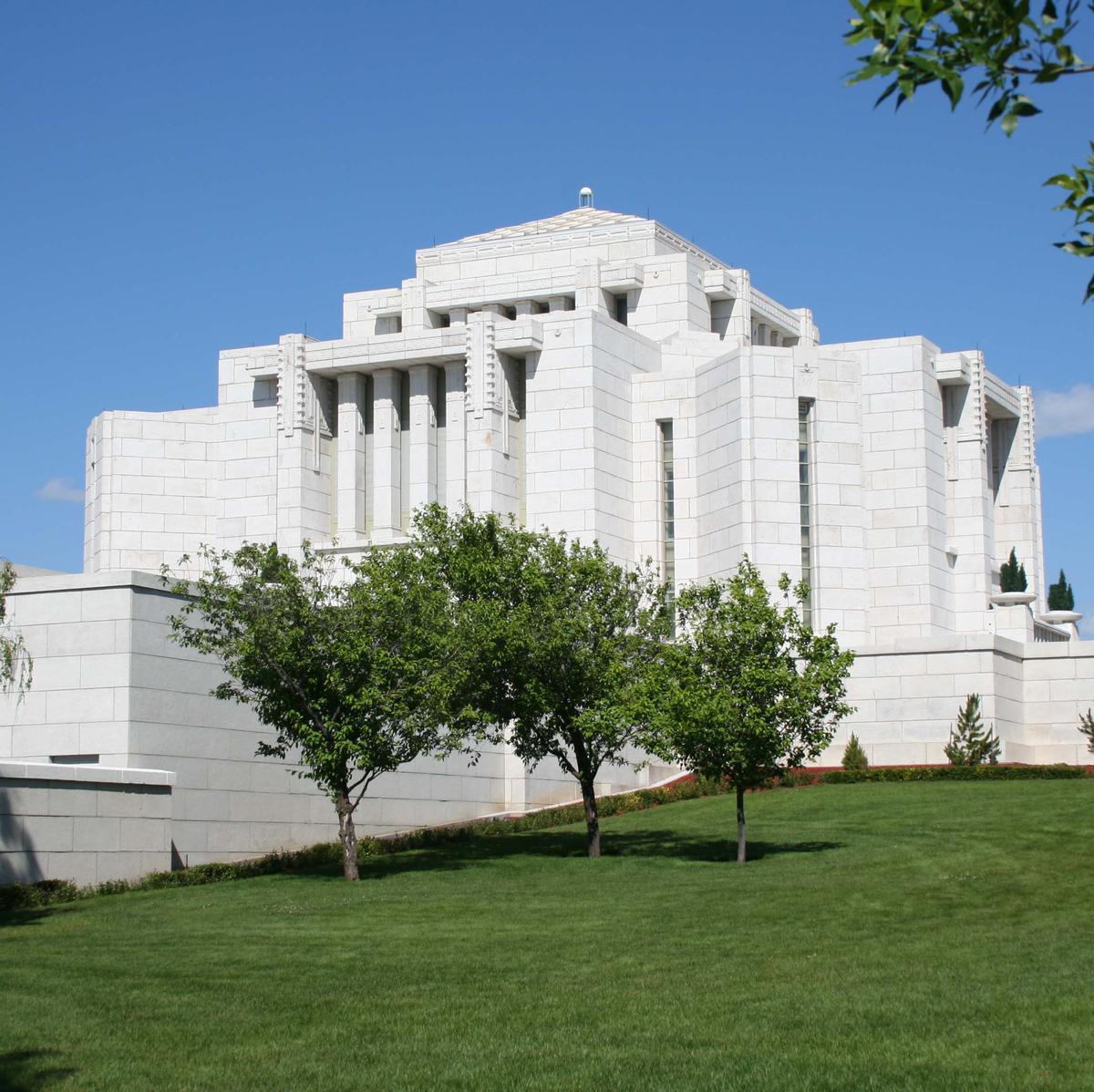 Image of the Cardston Alberta Mormon Temple