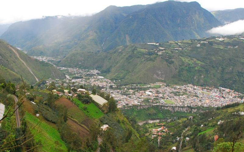 Banos mountains