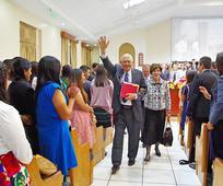 Visita Elder Dallin H. Oaks.jpg