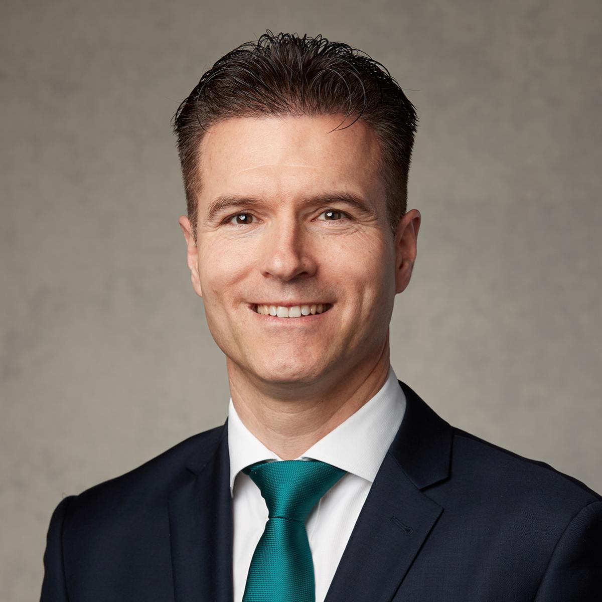 Старешина Thomas Hänni, Швајцарска