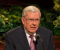 Elder Ballard with Youth/2017-04-2090-m-russell-ballard-900x505.jpg