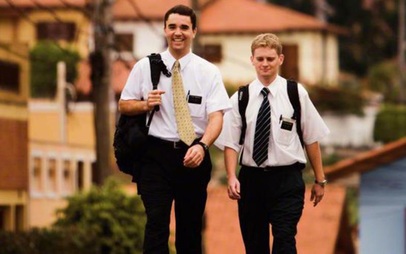 Misionari podučavaju nauk Isusa Krista ljudima