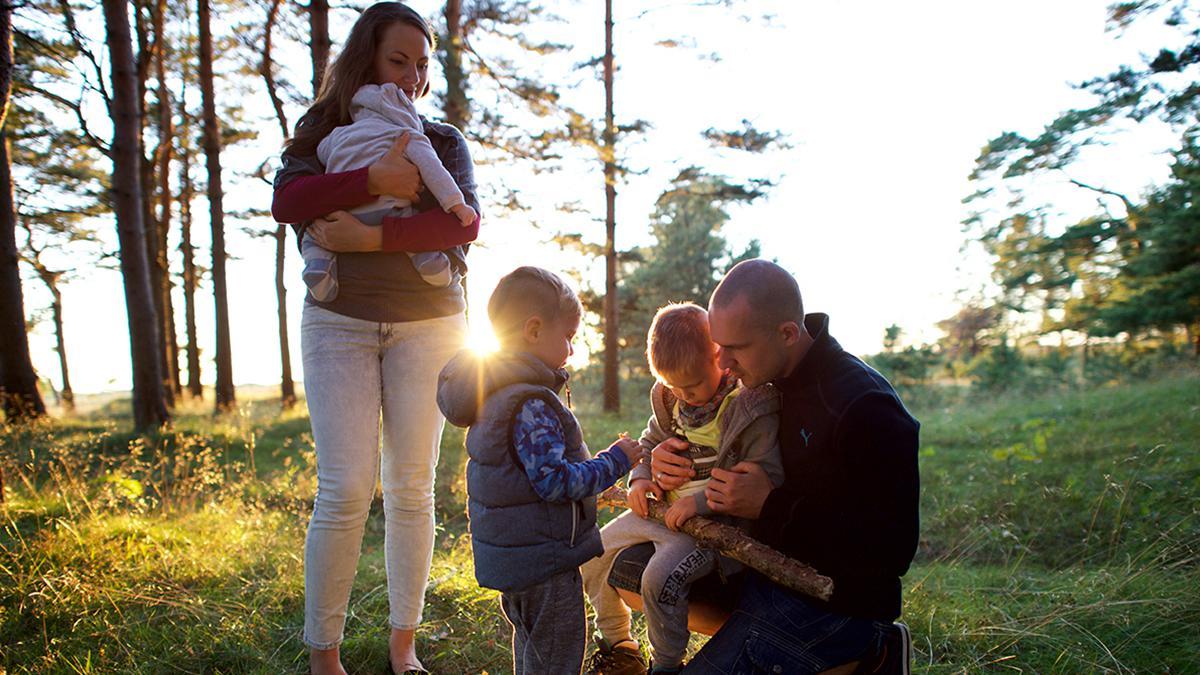 Wenn Ehepaare im Tempel für Zeit und Ewigkeit gesiegelt sind, werden ihre Kinder 'im Bund' geboren.
