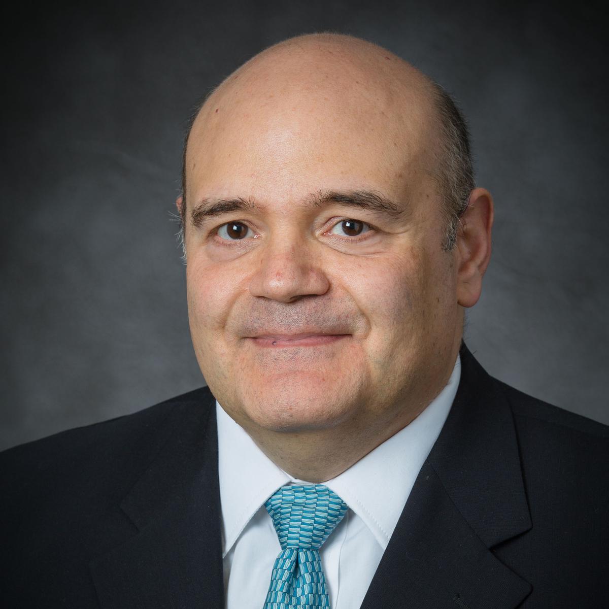 Élder Francisco J. Ruiz De Mendoza