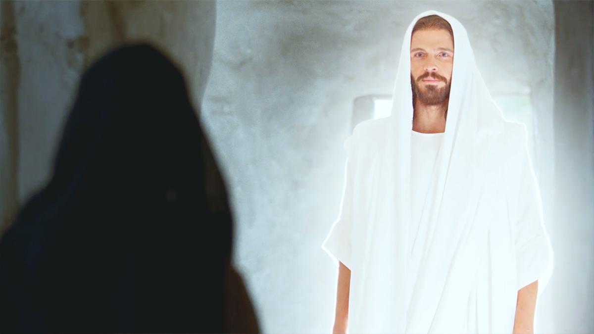 O Cristo ressurreto apareceu a Maria no sepulcro.