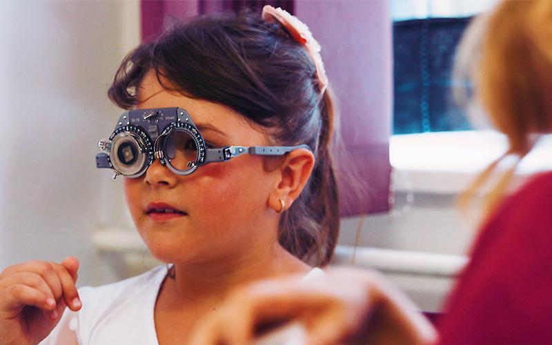 LDS Charities - Programul Vision Care din Bosnia