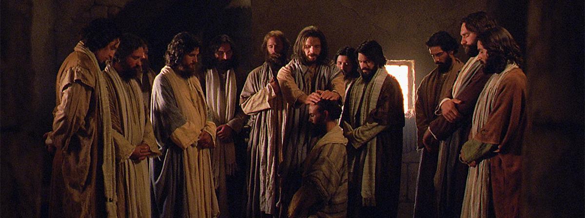 Gesù Cristo ordina i Suoi apostoli.