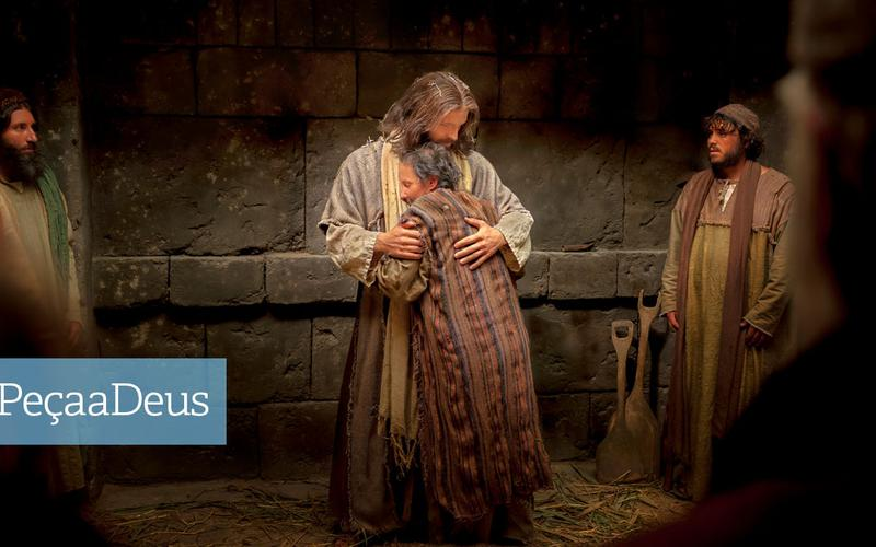 Jesus abraçar um homem