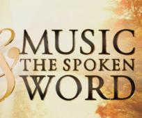 Der Tabernakelchor am Tempelplatz singt im Konferenzzentrum in Salt Lake City