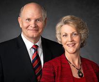 Elder und Sister Renlund