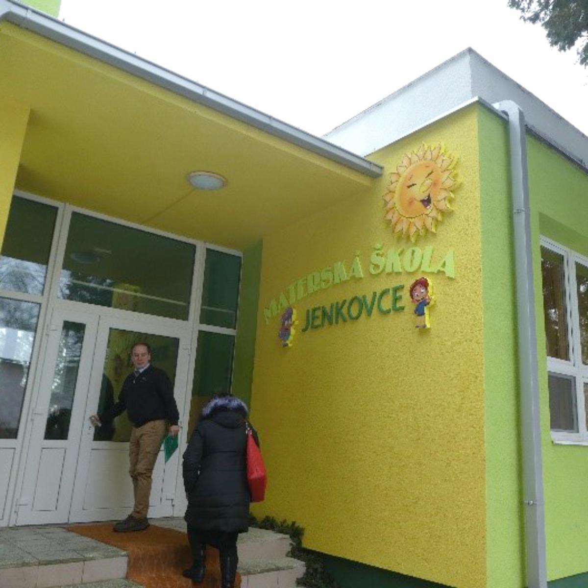 Eingang zum Kindergarten von Jankovce