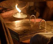 Im Buch Mormon sind die Worte Het Boek van Mormon bevat de woorden van veel profeten, onder wie de profeet Nephi. Ontdek hoe Nephi's woorden u nu tot zegen kunnen zijn. Propheten aufgezeichnet, so auch die Worte eines Propheten namens Nephi.