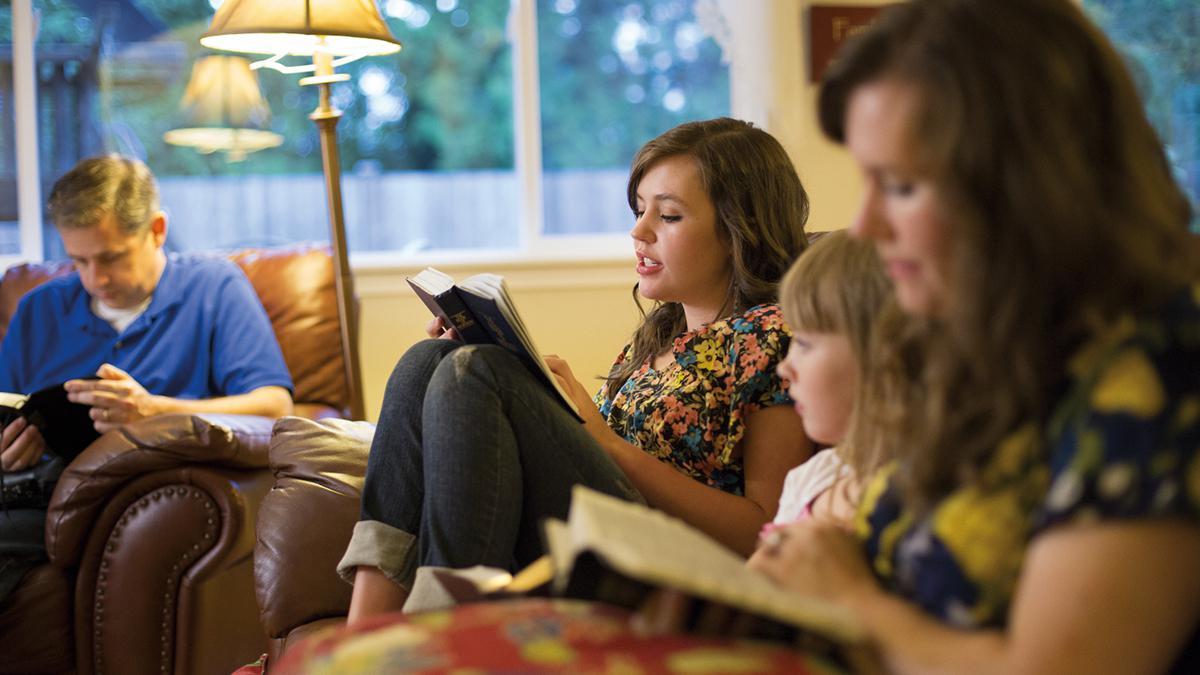 Gemeinsames Schritenstudium in der Familie