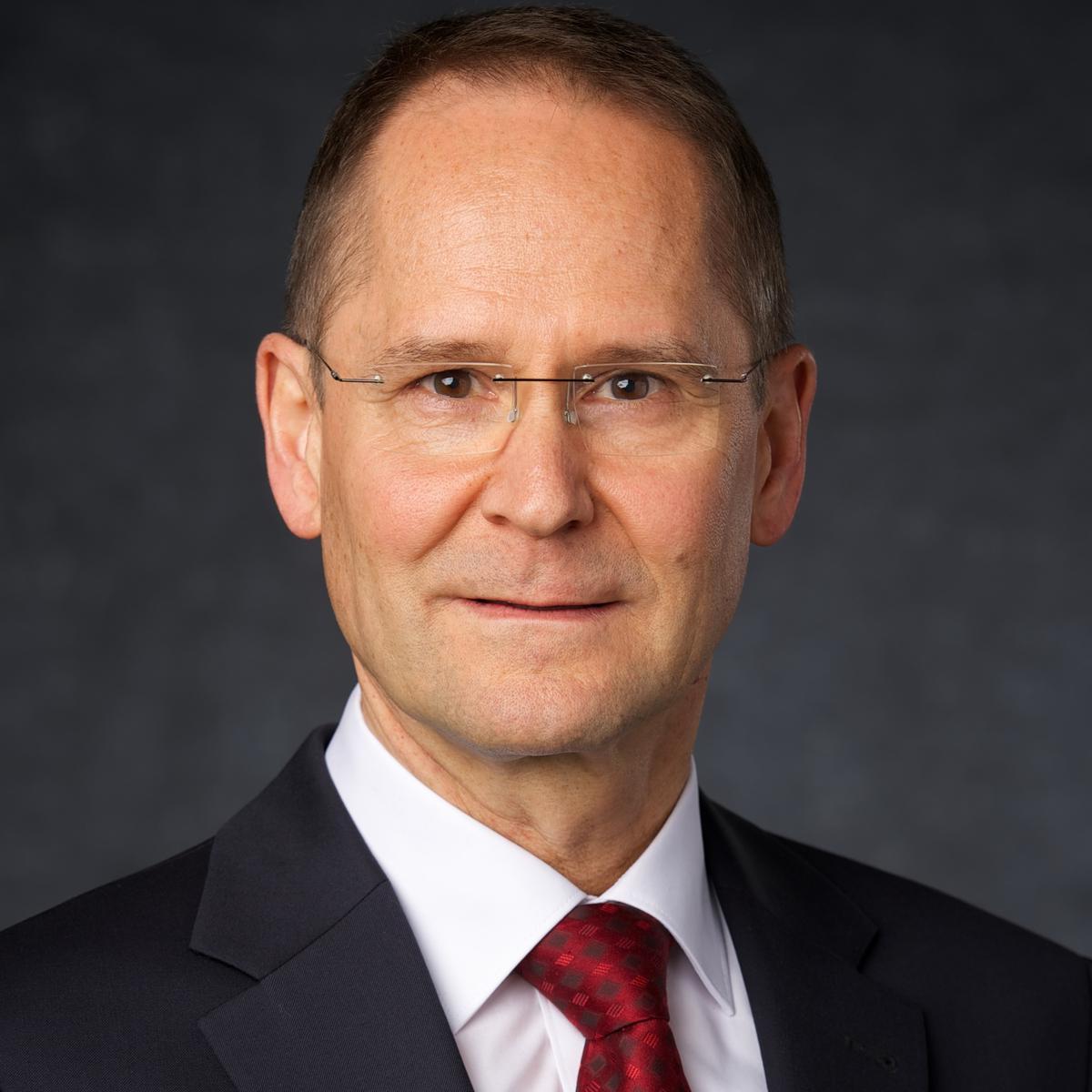 Elder Wolfgang Pilz, Gebietssiebziger