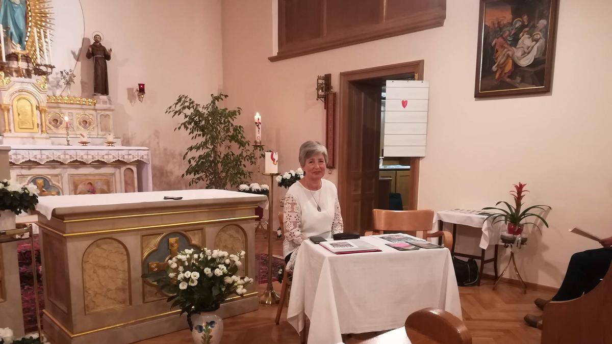 Ein Leseabend in der Klosterkapelle Seebenstein brachte die Zuhörer in vorweihnachtliche Stimmung