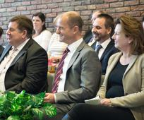 Das 50jährige Bestehen ihres Gemeindehauses feierten die Linzer Mitglieder mit einem Hilfsprojekt und einem Festgottesdienst
