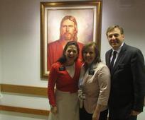 Luciana Föger (links) mit ihrem Missionspräsidenten und dessen Frau