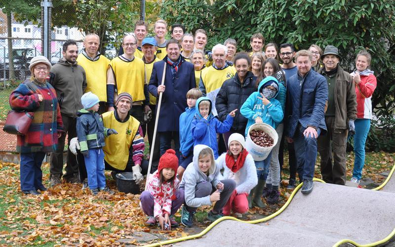 Mitglieder der Gemeinde Wels mit Bürgermeister Dr. Andreas Rabl (vierter von rechts)