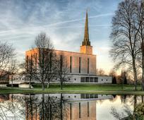 Црква обезбеђује контекст о променама у приручницима које се тичу истополних бракова