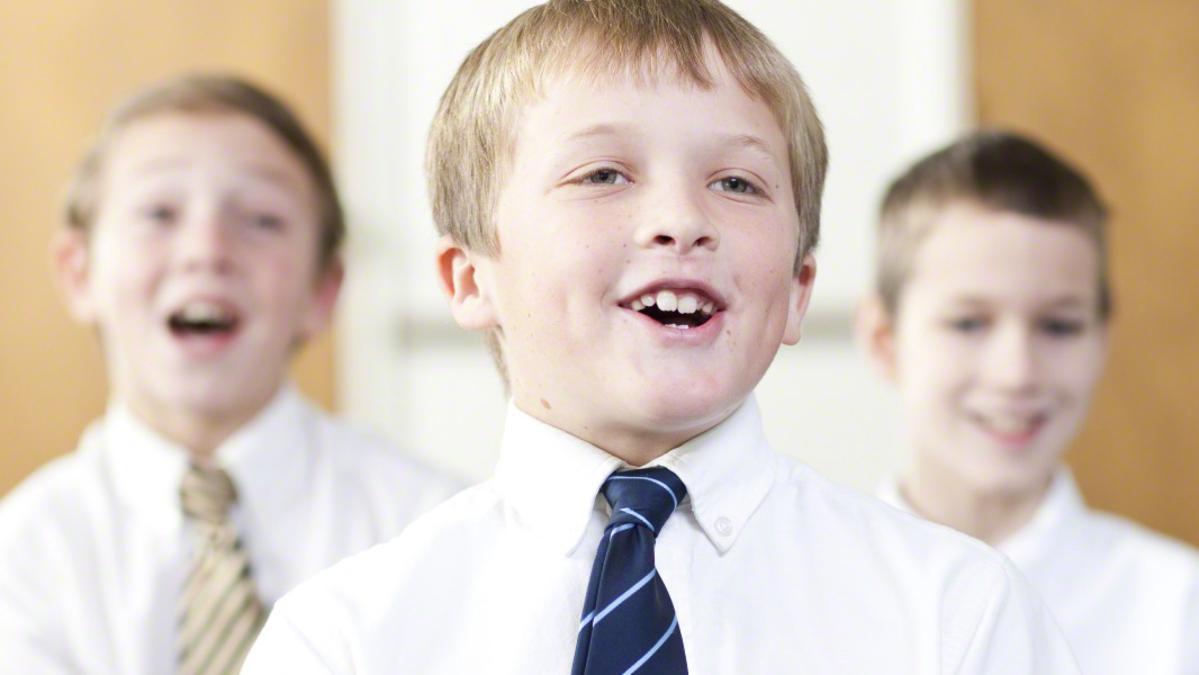 djeca pjevaju