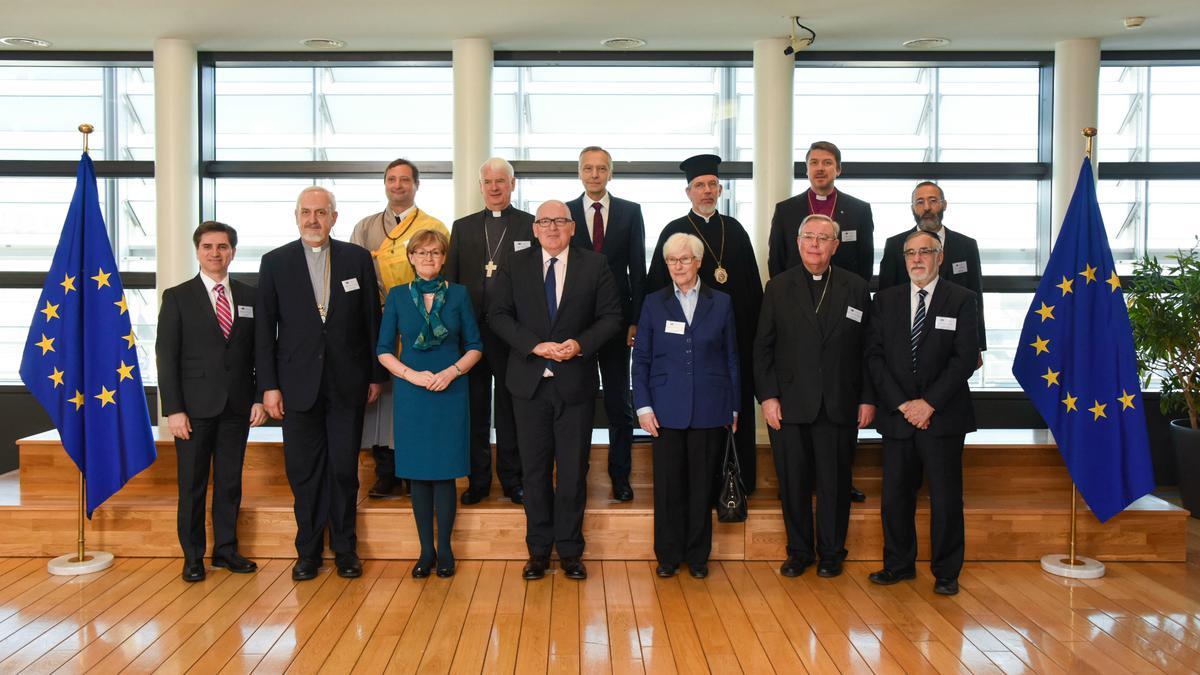 Verske skupnosti bodo pomagale oblikovati prihodnost Evrope, je na sestanku Evropske komisije dejal mormonski voditelj