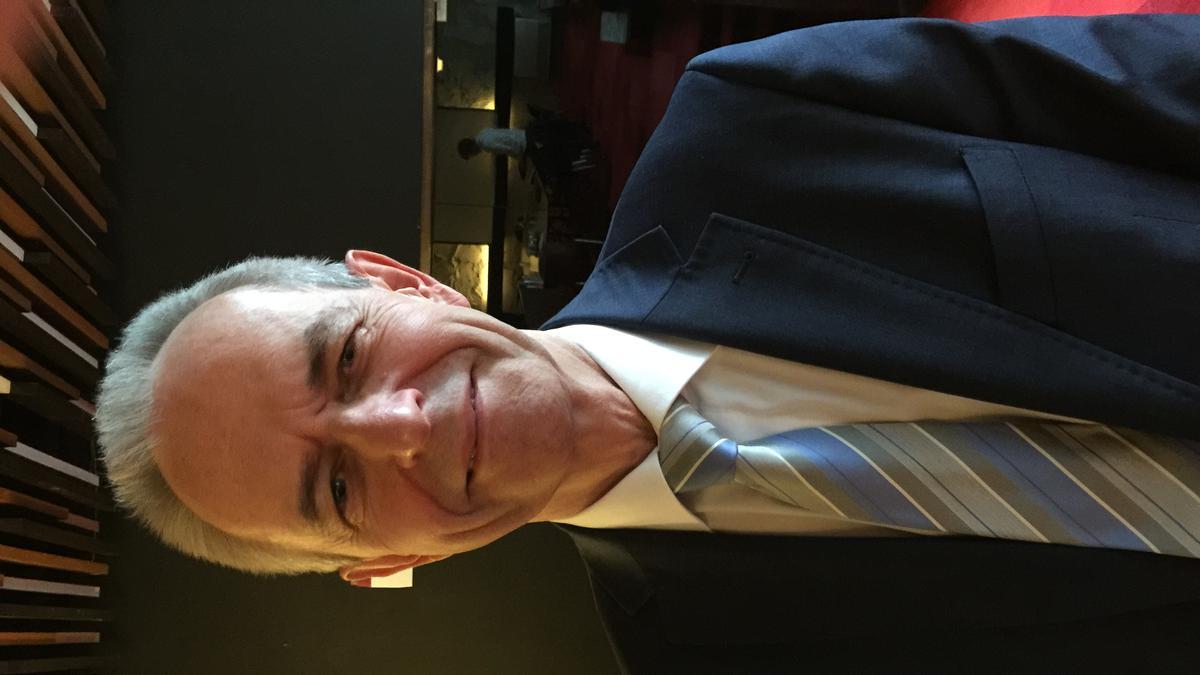 """Говорећи о генералној конференцији, Крис Kлејвег, мормон из Холандије, каже: """"На овим заседањима више пута сам осетио снажну мотивацију да се променим и постанем бољи муж, отац и  свештенички вођа.'"""