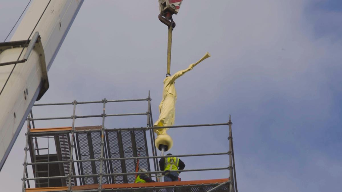 Статуа анђела Моронија