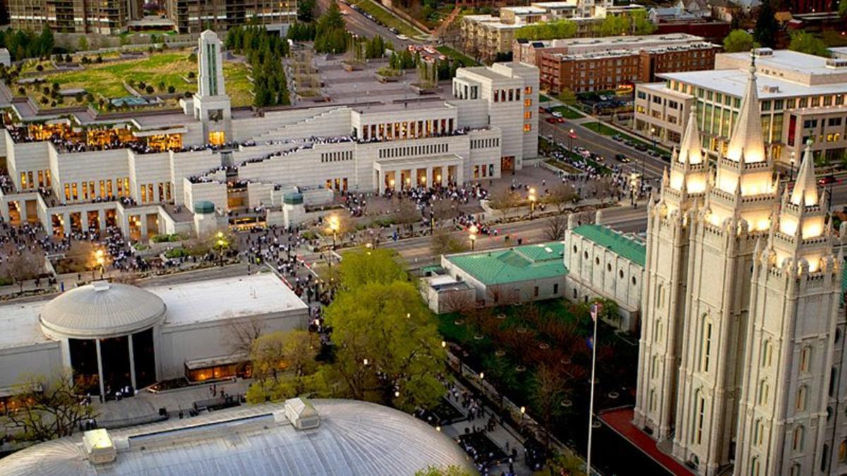 Konferencebygningen og templet i Salt lake City