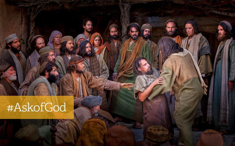Jesus holder mand iblandt mennesker