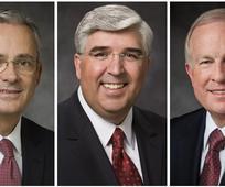 Gebiedspresidium Europa: Elder Patrick Kearon, eerste raadgever; Elder José A. Teixeira, president; Elder Timothy J. Dyches, tweede raadgever