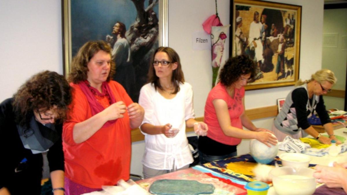 Einigkeit in Vielfalt - Frauentag des Pfahles Neumünster