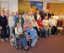 Senioren und Seniorinnen erleben miteinander eine besondere Woche