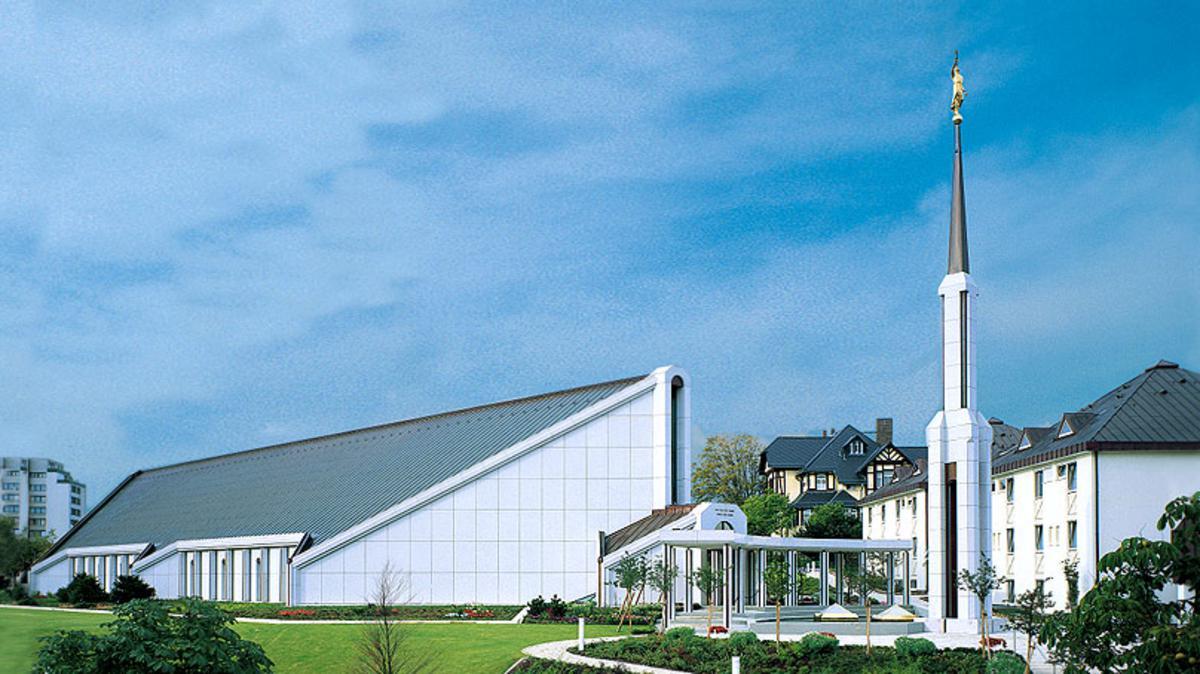 Umbau des Frankfurt-Deutschland-Tempels