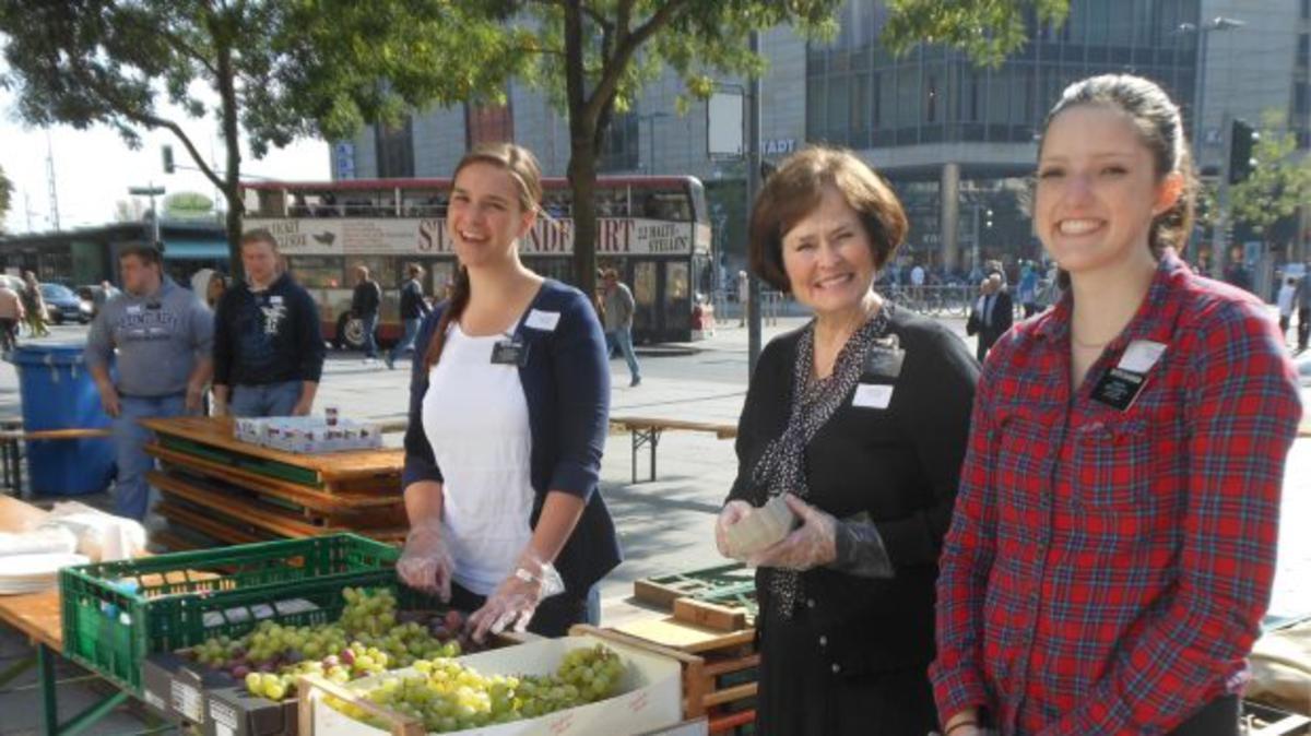 Hilfe beim Ernte-Dank-Fest der Dresdner Tafel