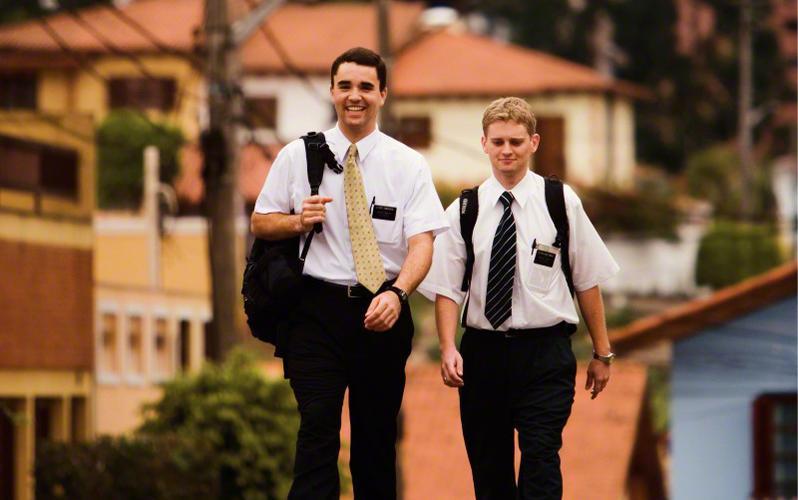 elder-missionaries-243095-print.jpg