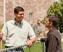 Discussioni missonarie fra due uomini