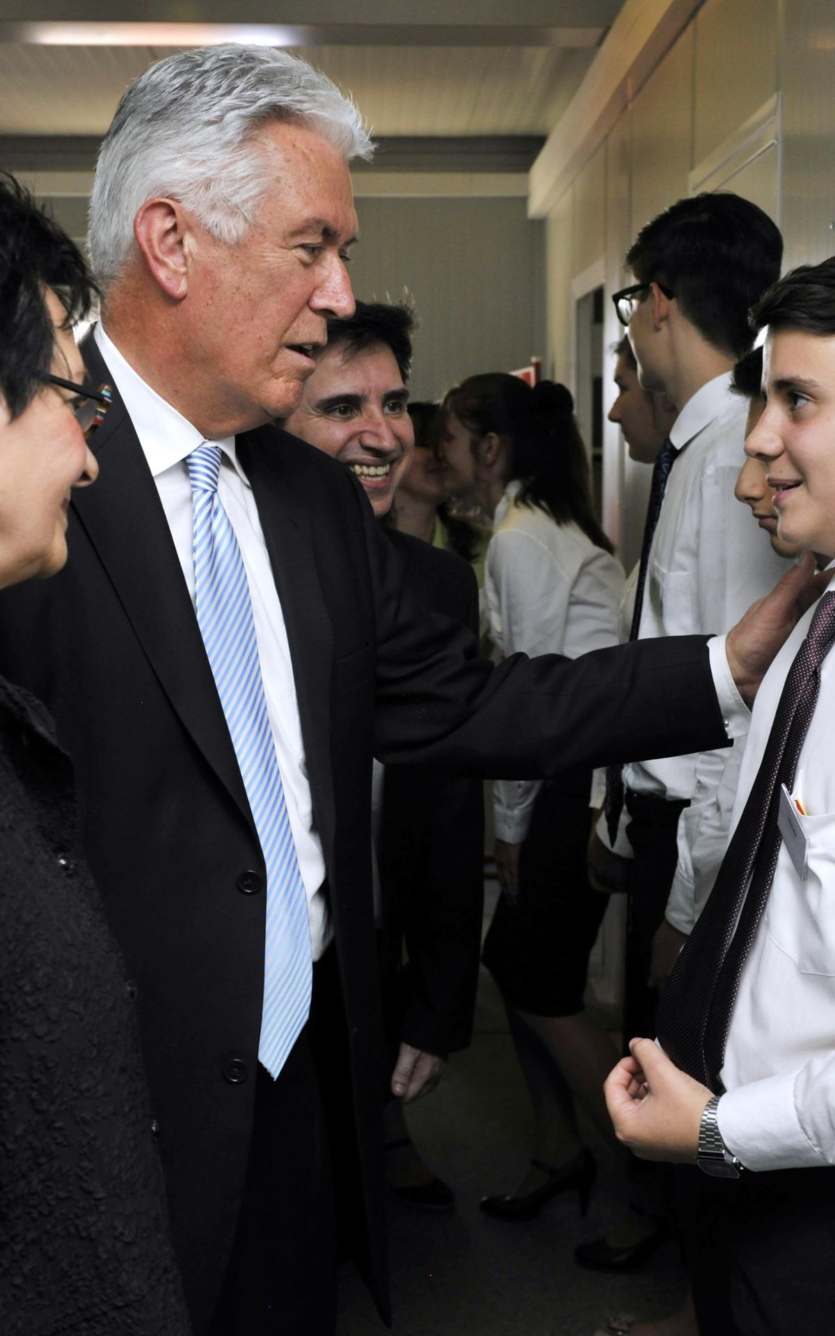 President Uchtdorf bezoekt de leden in Italie