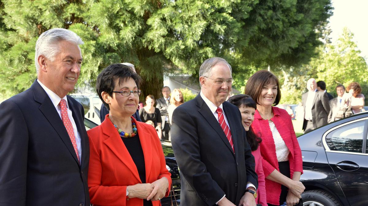 President Uchtdorf bezoekt de leden in Zwitserland