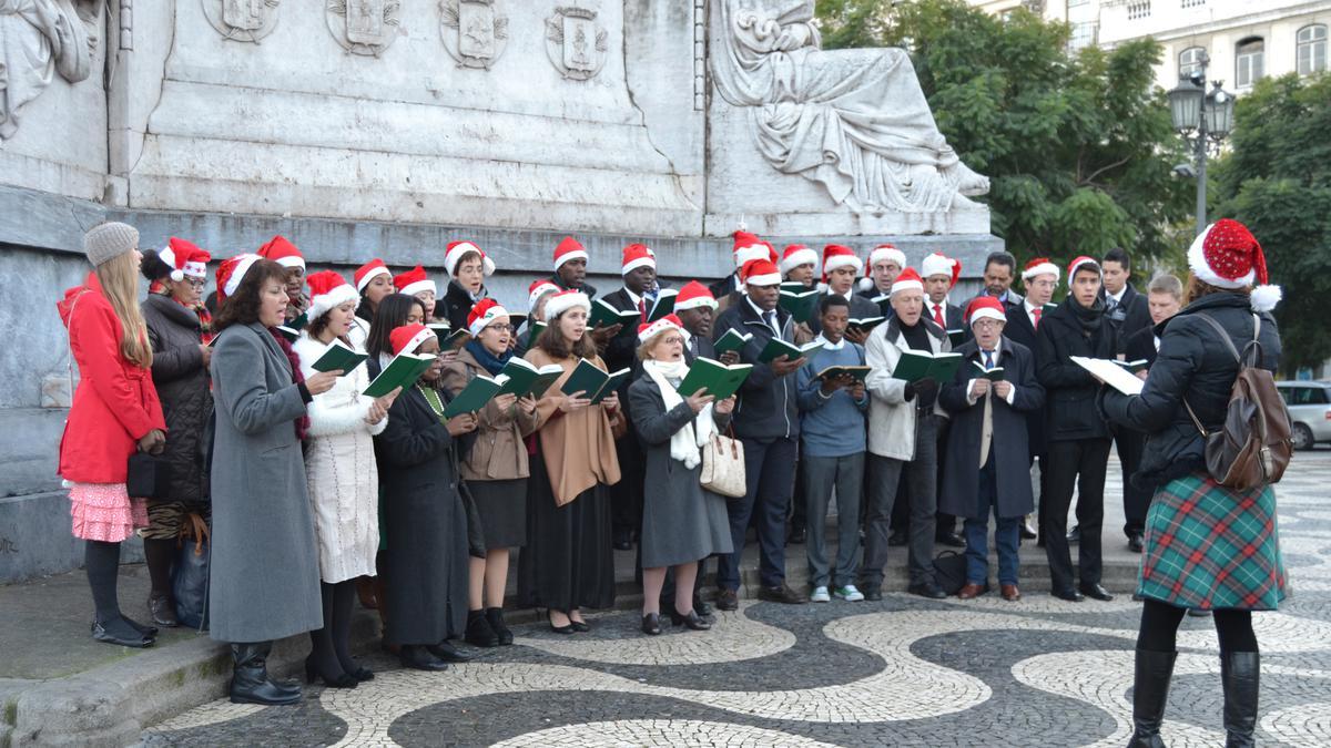 O Coro da Estaca de Lisboa canta na baixa de Lisboa