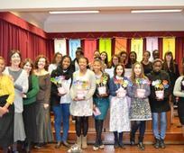 Algumas das moças da estaca de Lisboa que estiveram presentes