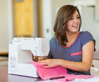 young-women-sewing-sew-machine-service-serving-1247782-wallpaper.jpg