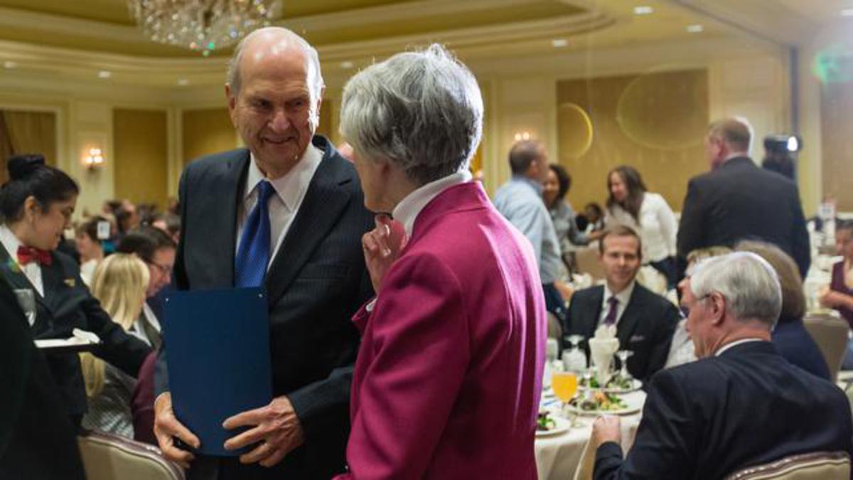 Catholic Community Services podeli priznanje predsedniku Nelsonu