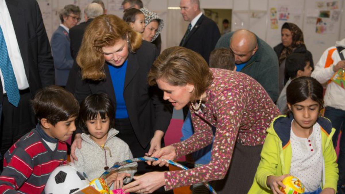 Cerkev sodeluje z vladnimi in drugimi tesnimi partnerji, da bi pomagala beguncem, ki prihajajo v Evropo