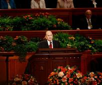 Na milijone zvestih mormonov je na svetovni konferenci prisluhnilo nasvetu, naj hodijo z Jezusom